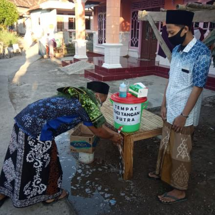 Solat Iduk Fitri di Masjid Nurul Huda desa Criwik